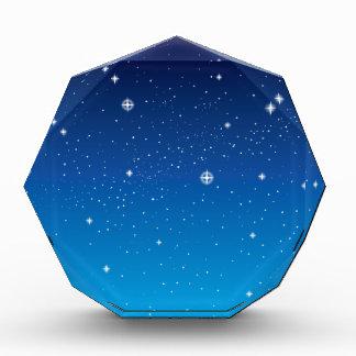 Cielo nocturno estrellado azul profundo