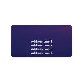 Cielo nublado púrpura etiquetas de dirección