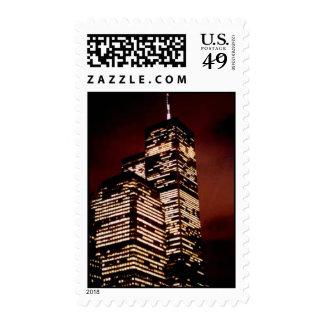 cielo rojo del World Trade Center en la noche Envio