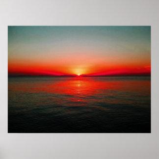 Cielo rojo en la noche póster
