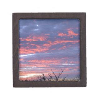Cielo romántico magnífico de la puesta del sol caja de joyas de calidad