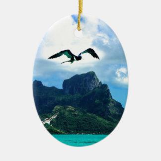 Cielo tropical francés del pájaro de Bora Bora Adorno Navideño Ovalado De Cerámica