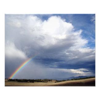 Cielo y arco iris profundos fotografias