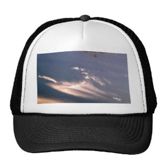 cielo y nube hermosos gorros bordados