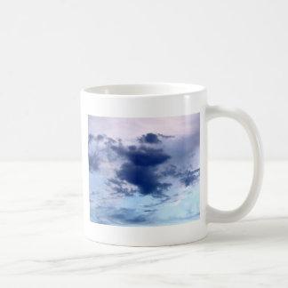 cielo y nube hermosos taza de café