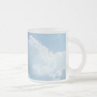 Cielo y taza de las nubes