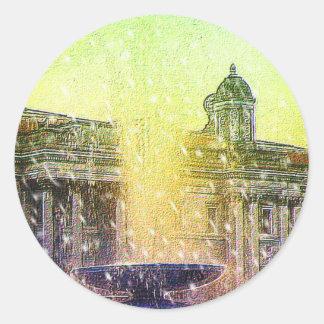 Cielos amarillos azules Nevado de la fuente de Pegatina Redonda