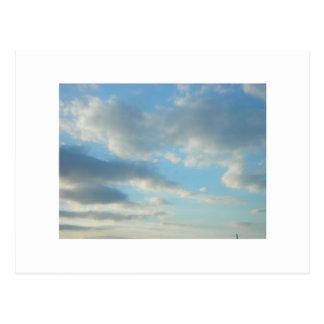 Cielos azules tarjetas postales
