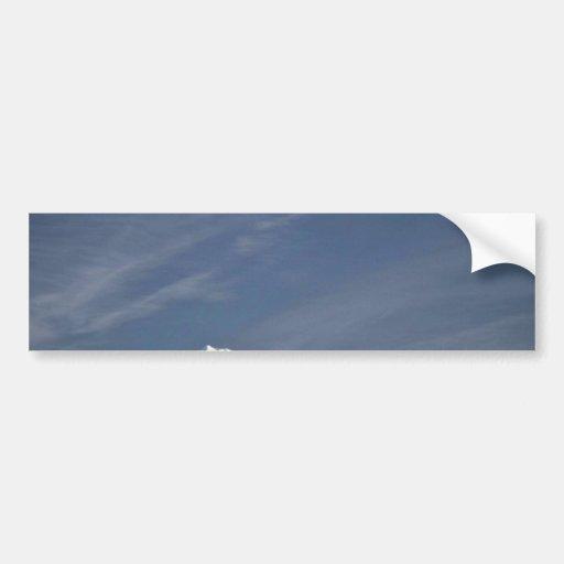 Cielos sobre la montaña pegatina para auto