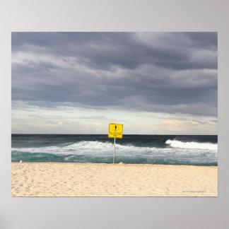 Cielos tempestuosos sobre la playa de Bronte Póster