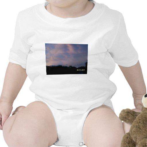 Cielos tempestuosos traje de bebé