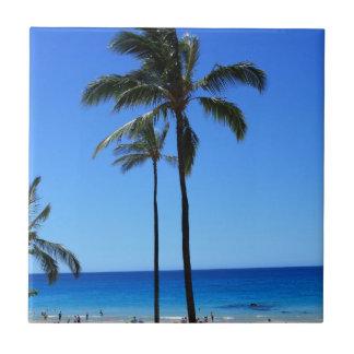 Cielos y palmera hawaianos azules azulejo cuadrado pequeño
