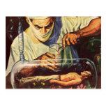 Científico de la ciencia ficción del vintage en la tarjeta postal