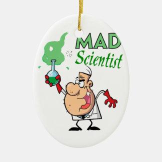 científico enojado del dibujo animado adorno navideño ovalado de cerámica
