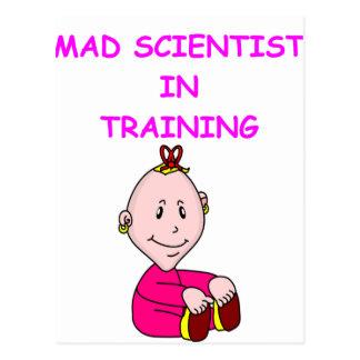 científico enojado postal