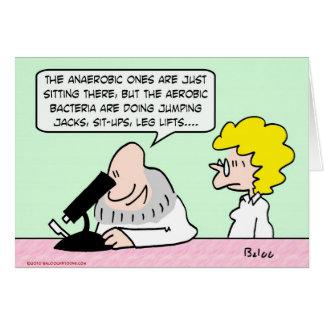 científicos aerobios de las bacterias anaerobias tarjeta de felicitación
