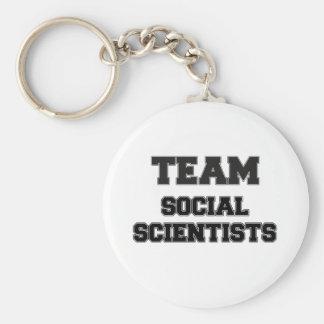 Científicos sociales del equipo llaveros