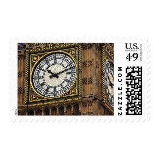 Cierre de la cara de reloj de Big Ben encima del Timbres Postales