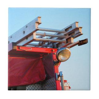 cierre de la escalera del coche de bomberos para tejas  cerámicas