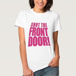 Cierre la puerta principal 2 remeras