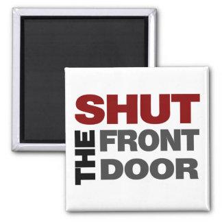 Cierre la puerta principal imanes