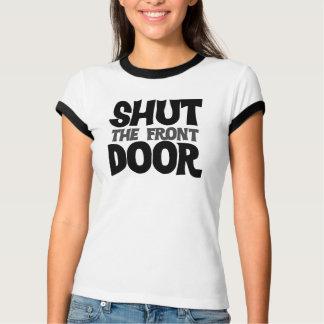 Cierre la puerta principal poleras