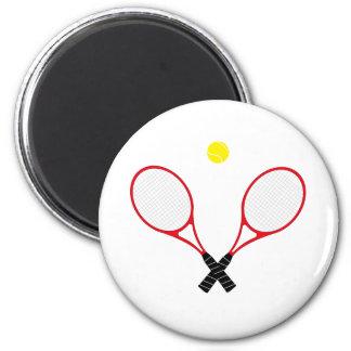 Cierre rojo de la estafa de tenis encima del imán