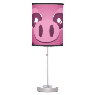 Cierre rosado lindo divertido del cerdo encima de