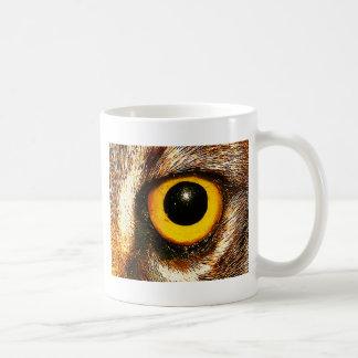 Cierre salvaje del ojo para arriba taza