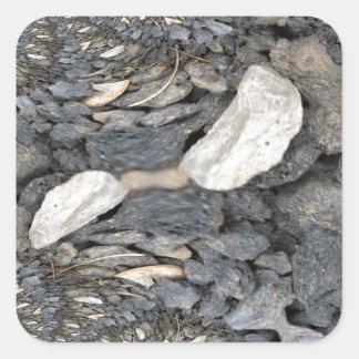 Ciérrese encima de fractal de las piedras pegatina cuadradas personalizada