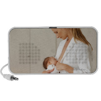 ciérrese encima de la opinión un bebé (6-12 meses) iPhone altavoz