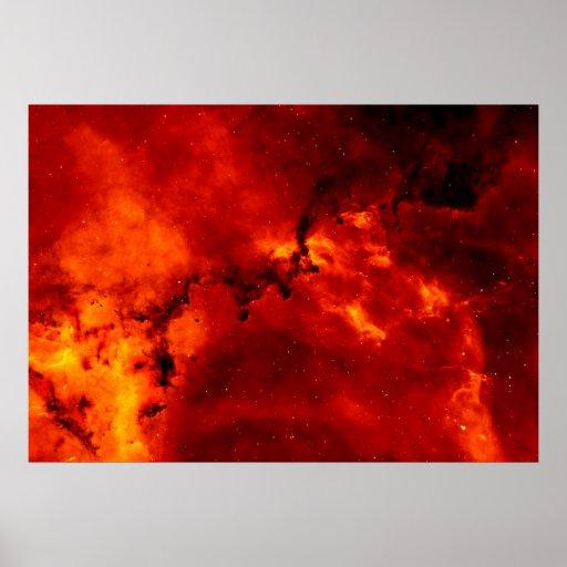 Ciérrese encima de la vista de la nebulosa roja de poster