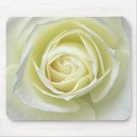 Ciérrese encima de los detalles del rosa blanco mouse pad
