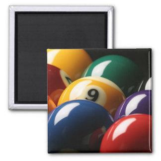 Ciérrese para arriba de bolas de piscina iman de nevera