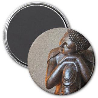 Ciérrese para arriba de Buda de plata pacífico Imán Redondo 7 Cm