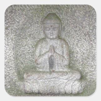 Ciérrese para arriba de Buda en una escultura del Pegatina Cuadrada