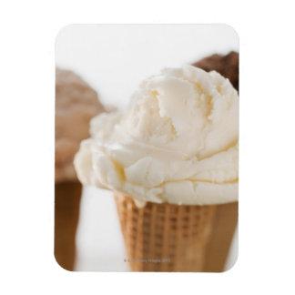 Ciérrese para arriba de diversos conos de helado iman rectangular