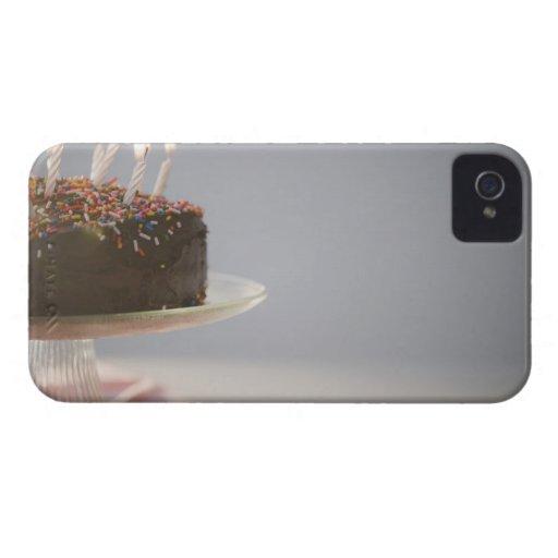 Ciérrese para arriba de la torta de cumpleaños del funda para iPhone 4