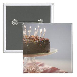 Ciérrese para arriba de la torta de cumpleaños del pin cuadrada 5 cm