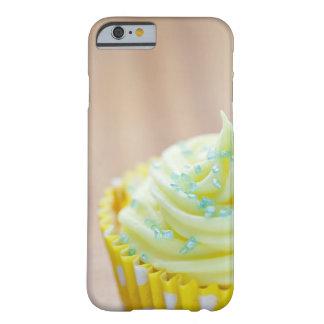 Ciérrese para arriba de la torta de la taza que funda de iPhone 6 barely there