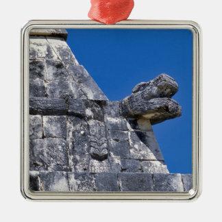 Ciérrese para arriba de las piedras que hacen un m ornamente de reyes