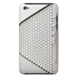 Ciérrese para arriba de píldoras en bandeja de cla Case-Mate iPod touch coberturas