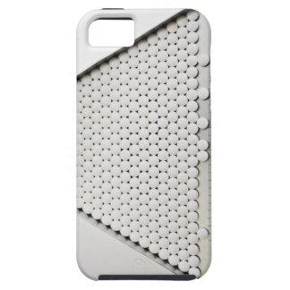 Ciérrese para arriba de píldoras en bandeja de iPhone 5 fundas