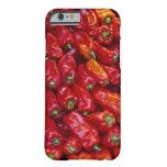 Ciérrese para arriba de pimientas rojas funda barely there iPhone 6