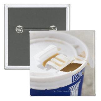 Ciérrese para arriba de sacan el café pin cuadrado