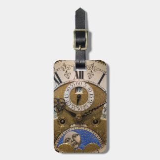 Ciérrese para arriba de un reloj viejo, Alemania Etiquetas Maleta