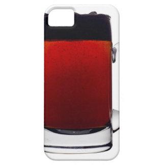 Ciérrese para arriba de un vidrio de cerveza iPhone 5 Case-Mate fundas