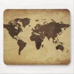 Ciérrese para arriba del mapa del mundo antiguo 3 tapete de ratón