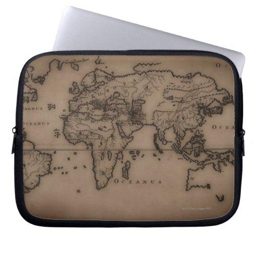 Ciérrese para arriba del mapa del mundo antiguo 7 fundas portátiles
