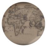 Ciérrese para arriba del mapa del mundo antiguo 7 platos de comidas
